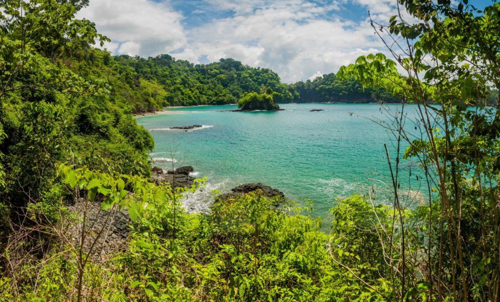 Manuel Antonio Beach (Shutterstock)